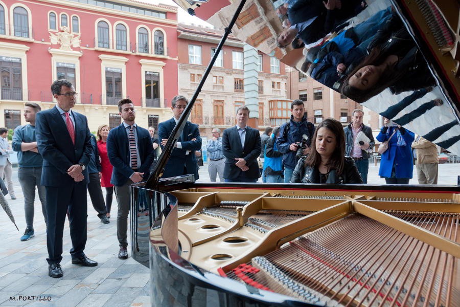 Press Releases Pianos in Street